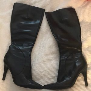 Nine West zip-up black heels!